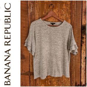 💕4 for $25💕 Banana Republic Ruffle T-shirt 👕